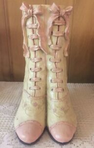 Vintage-Hand-Painted-Victorian-Lace-Up-Boot-Shoes-Vase-Planter-by-Collections