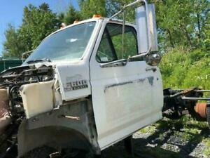 1993 - Ford F600 - Cab only St-Georges-de-Beauce Chaudière-Appalaches Preview