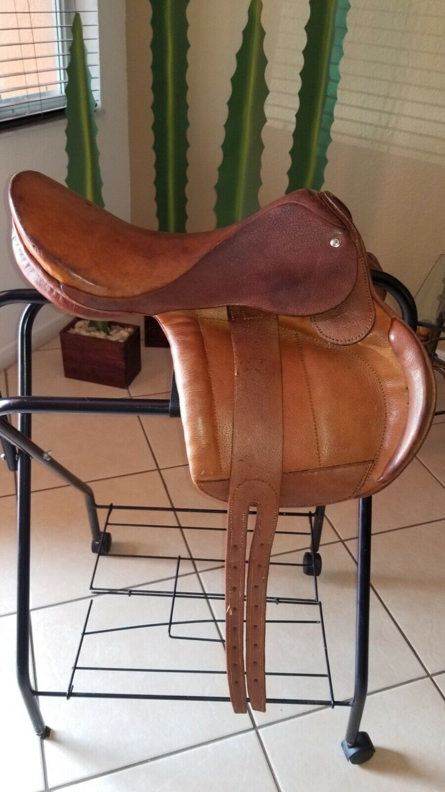17  Leather Mesace Saddle  Brown - Used  for your style of play at the cheapest prices