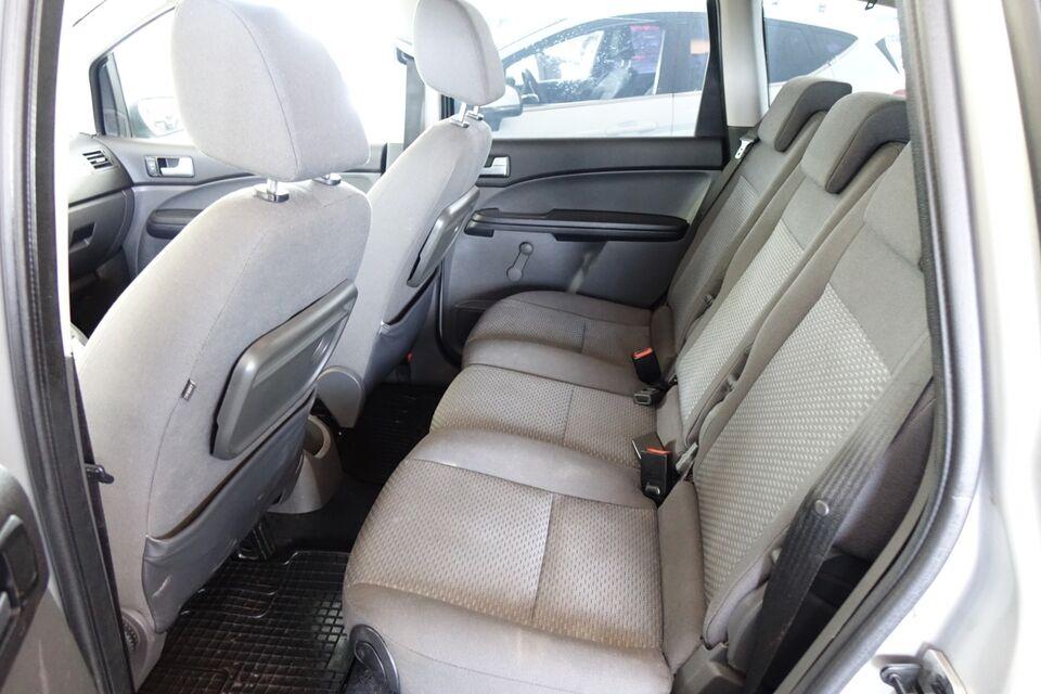 Ford Focus C-MAX 1,6 Trend Benzin modelår 2004 km 317000