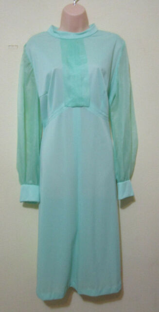WOMEN'S LIGHT GREEN VINTAGE DRESS - 1970S - GREAT CONDITION