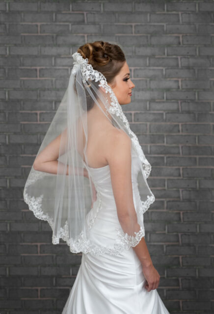 """1 Tier Ivory / White Wedding Lace Edge Bridal Elbow Veil With Comb 32"""""""