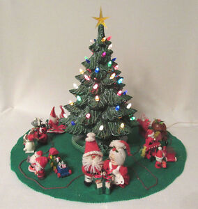Vintage 1978 Nowell S Mold Ceramic Light Up Christmas Tree