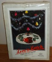 Vintage 1986 Love'n Latch Christmas Tree Skirt Teddy Bear Latch Hook Kit