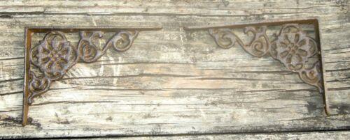 "Set of 2 antique style Cast Iron Shelf Brackets 4-1//2/"" x 6-3//8/"" #24"