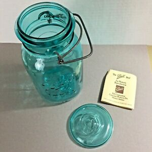 Ball-Ideal-A7-Blue-Glass-Mason-Jar-1976-Bicentennial-Reproduction-with-booklet