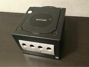 Consola Nintendo Game Cube En buen estado con mando y cables  Color Negro