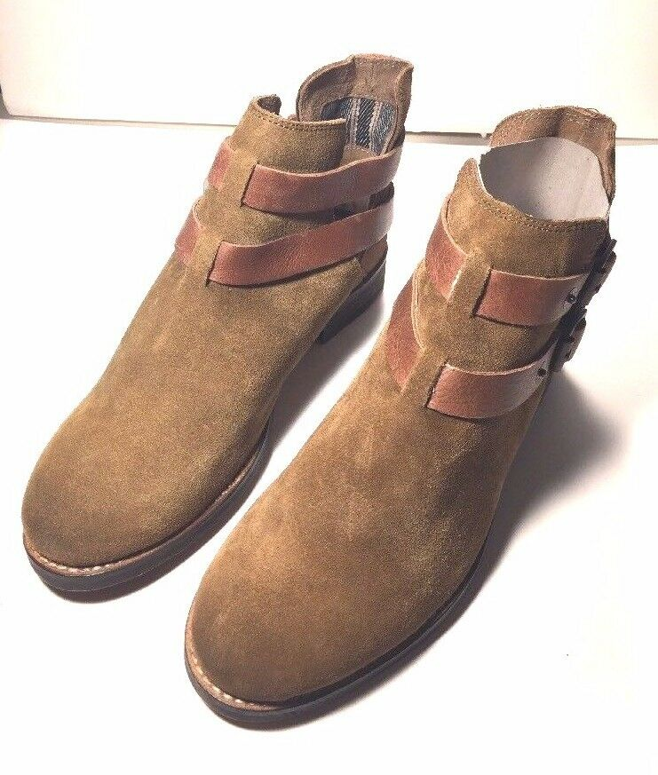 Levi's Sancino, Women's Desert Boots, Brown Size 6.5-- fast shipping -- (140)