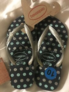 028096abbfa6 Image is loading Havaianas-Girls-Navy-Polka-Dot-Silver-Straps-Flip-