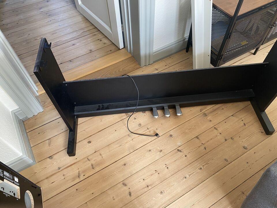 Roland Piano - RP102