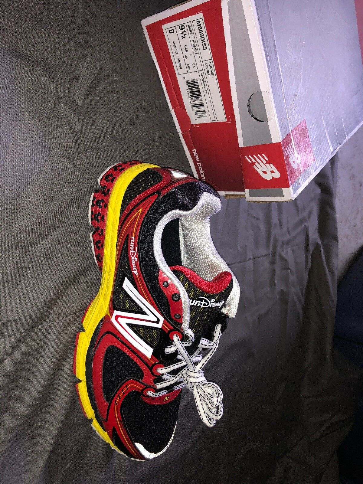New Balance Running Disney scarpe Dimensione 9.5 Wide M860DIS3
