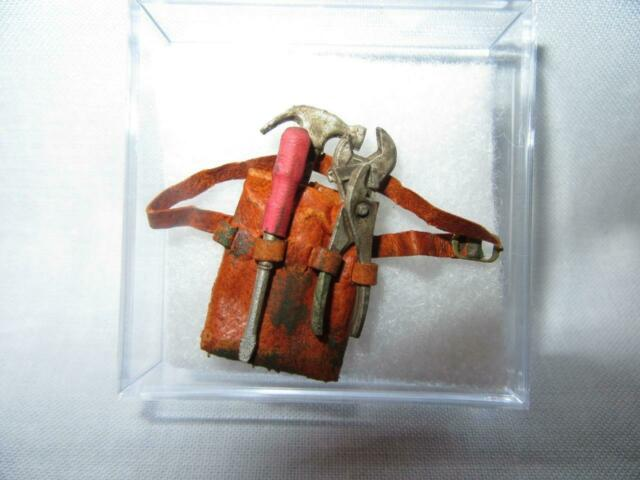 """DOLLHOUSE 1:12 SCALE /""""AGED/"""" BROWN HOLSTER WTWO GUNS-PL38 PRESTIGE LEATHER"""