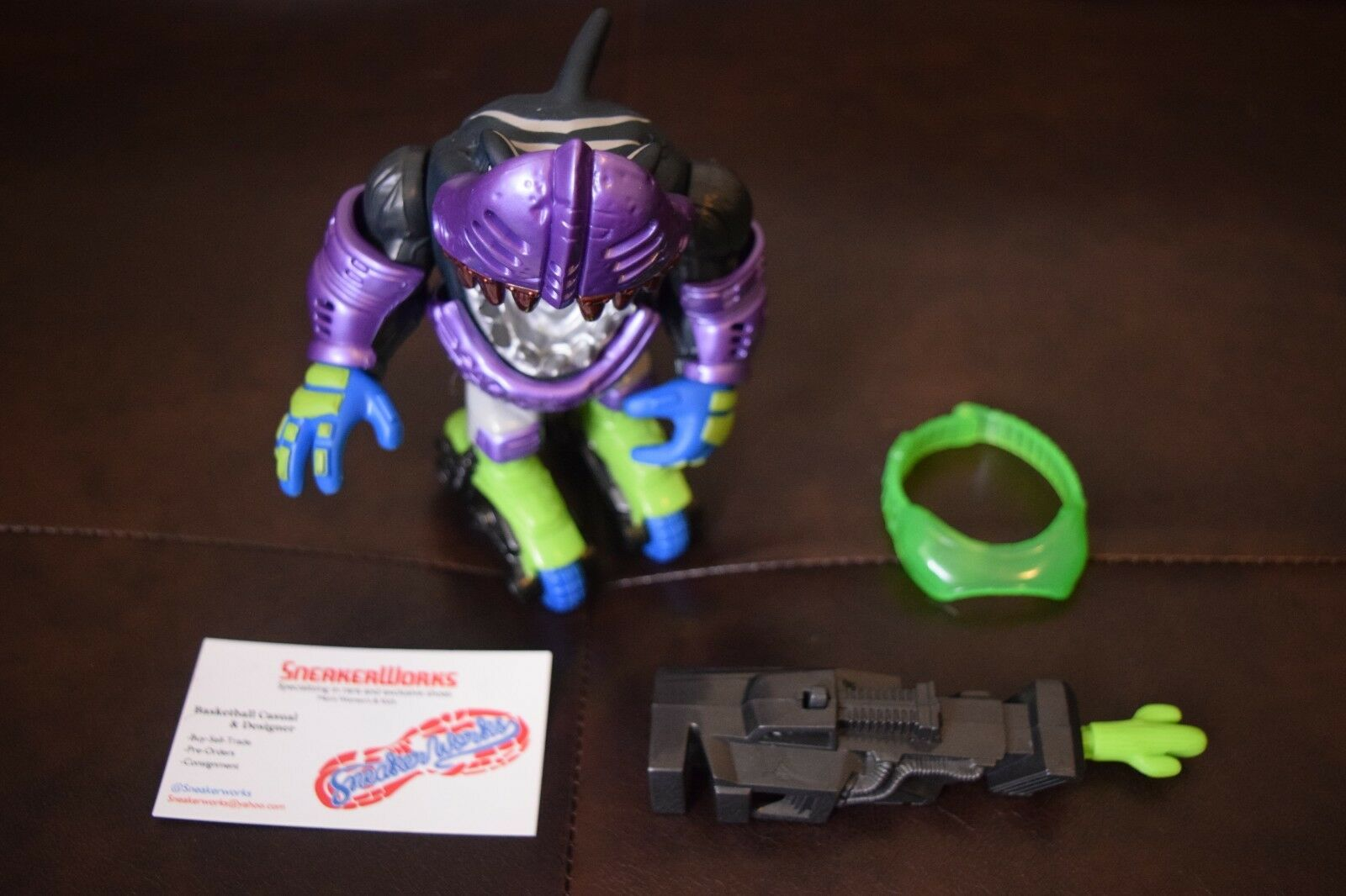 Vintage Mattel Street Sharks stingshot Streex Night Fighters figurine 1996