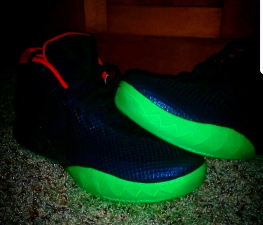 Red Solar Black NIKEiD 1 Kyrie Green Glow Mens 11 Size