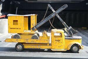 Structo-No-402-Diamond-T-Equipment-Hauler-and-Shovel-w-ramp-pressed-steel-USA