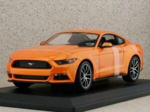 FORD Mustang - 2015 - orangemetallic - Maisto 1:18