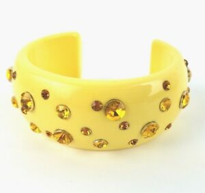 Vintage-Bracelet-Lucite-Cuff-Bangle-Yellow-w-Amber-Rhinestones-1-1-4-034-wide