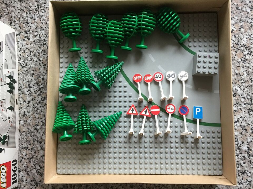 Lego Education, 1060 Road Plates and Signs