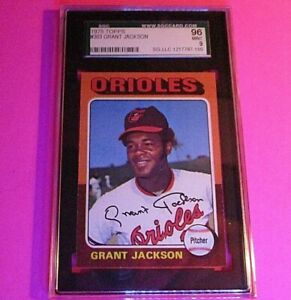 1975 Topps #303 Grant Jackson Baltimore Orioles SGC 96,  9 MINT