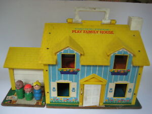 vtg-1969-Fisher-Price-PLAY-FAMILY-HOUSE-little-people-figure-yellow-home-set-952