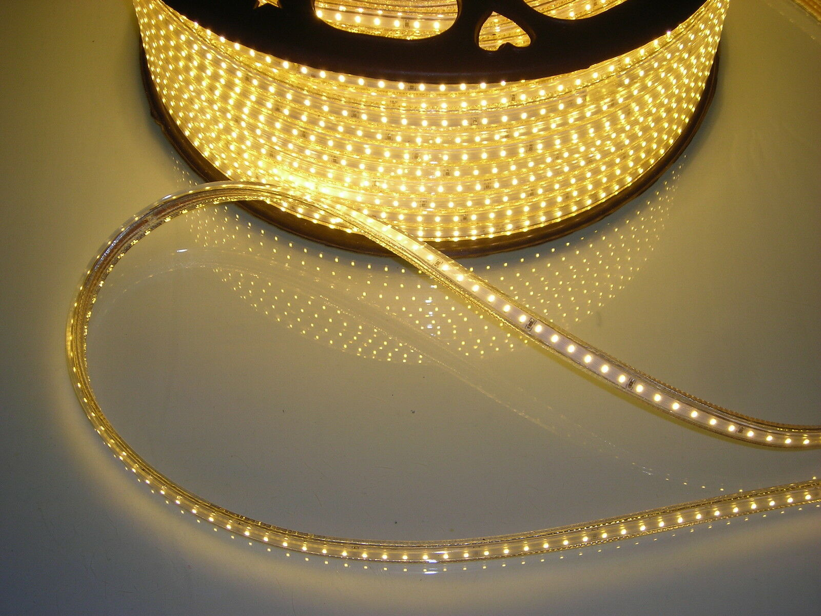 Bande LED blanc chaud 220V 230V 120 SMD Royaume-Uni 3014 imperméable, Royaume-Uni SMD ou cordon d'aliHommes tation de l'UE libre 9dcf41