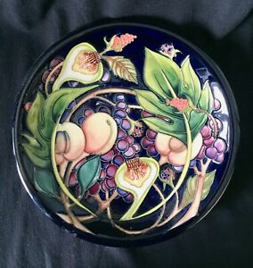 Moorcroft-10-034-Queens-Choice-Plate-in-excellent-condition