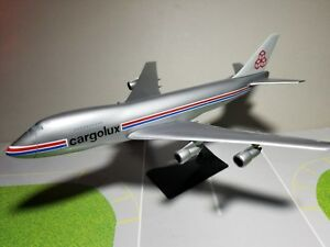 FLIGHT-MINATURE-CARGOLUX-747-200F-1-250-SCALE-PLASTIC-SNAPFIT-MODEL