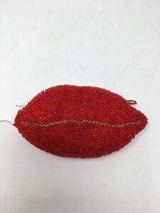 Vintage-Beaded-Lips-Coin-Purse-Red-Zippered