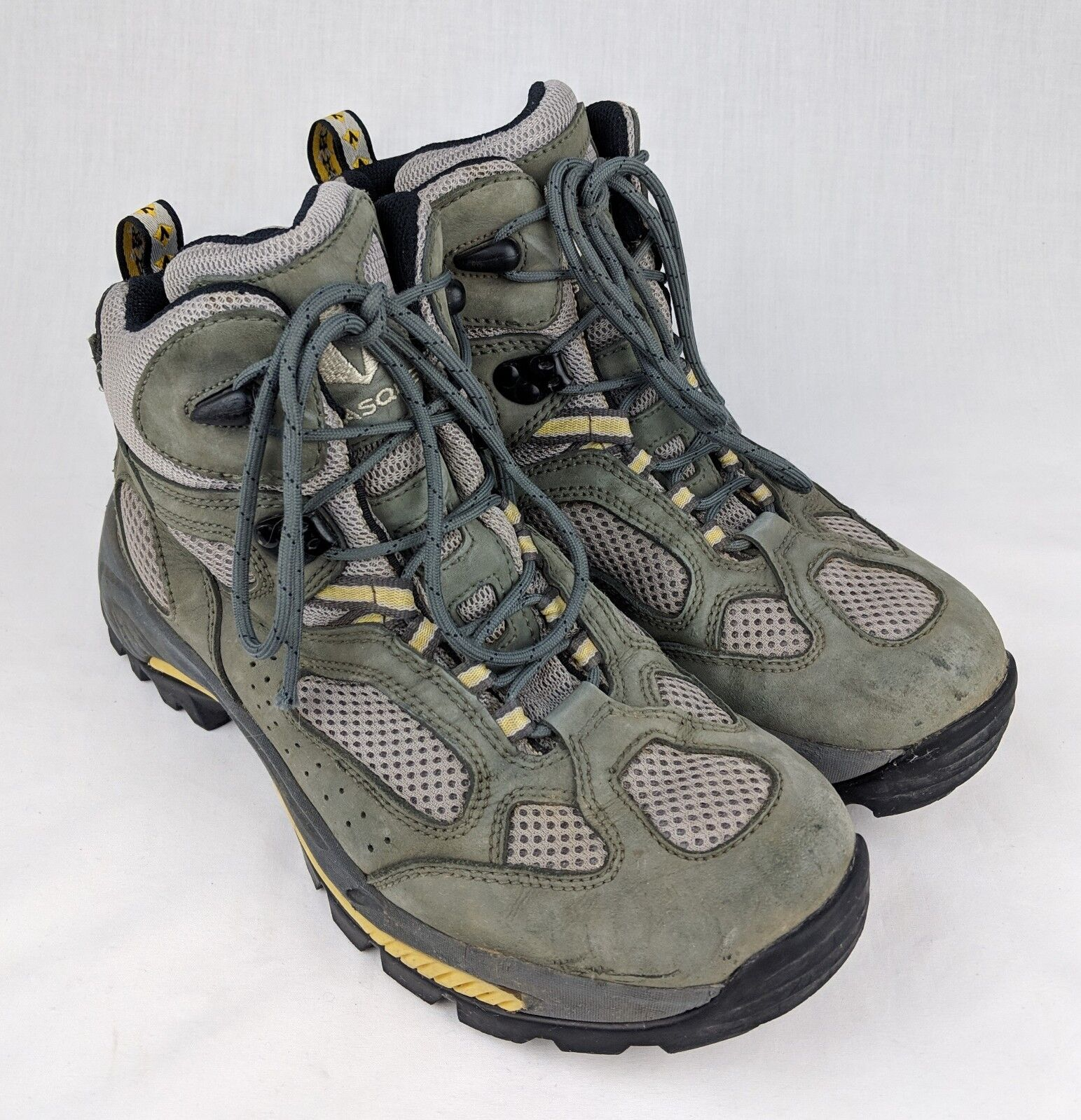 Women's Vasque Breeze III  GTX XCR 7463 Olive G  9M EUC hiking midweight boots  new exclusive high-end