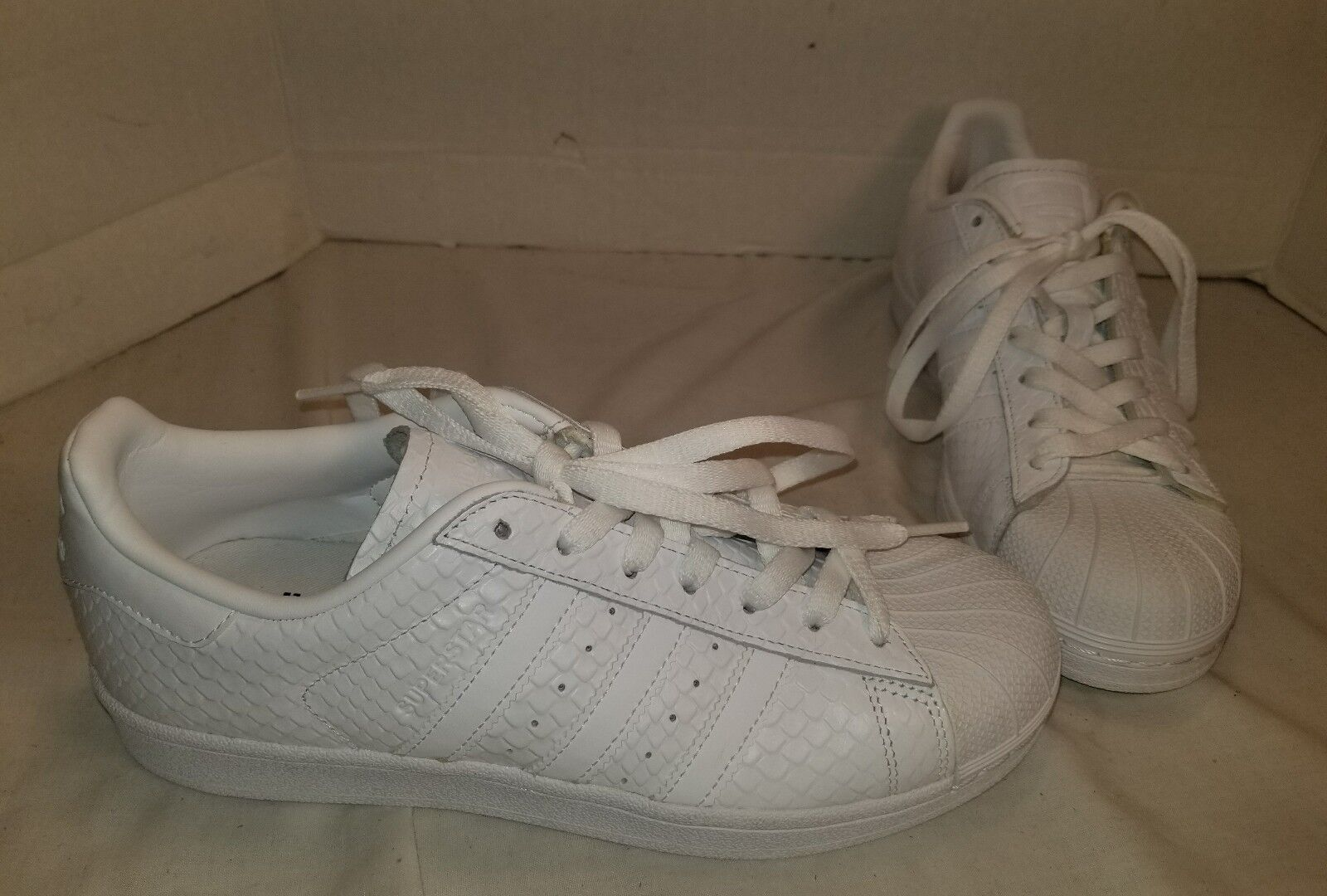 NEW WOMEN'S ADIDAS SUPERSTAR WHITE SNAKESKIN LEATHER SNEAKERS US 8.5