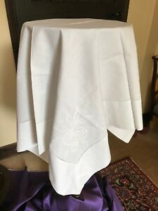 Vintage-table-linen-white-cotton-tablecloth-with-machine-embroidery-88-cm-sq