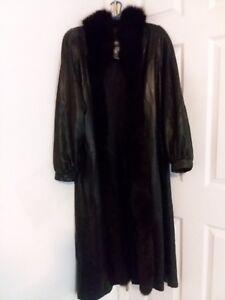 Trim With Black Gloves Comes Fox Long Coat Bonus Leather Genuine 7PRqOO