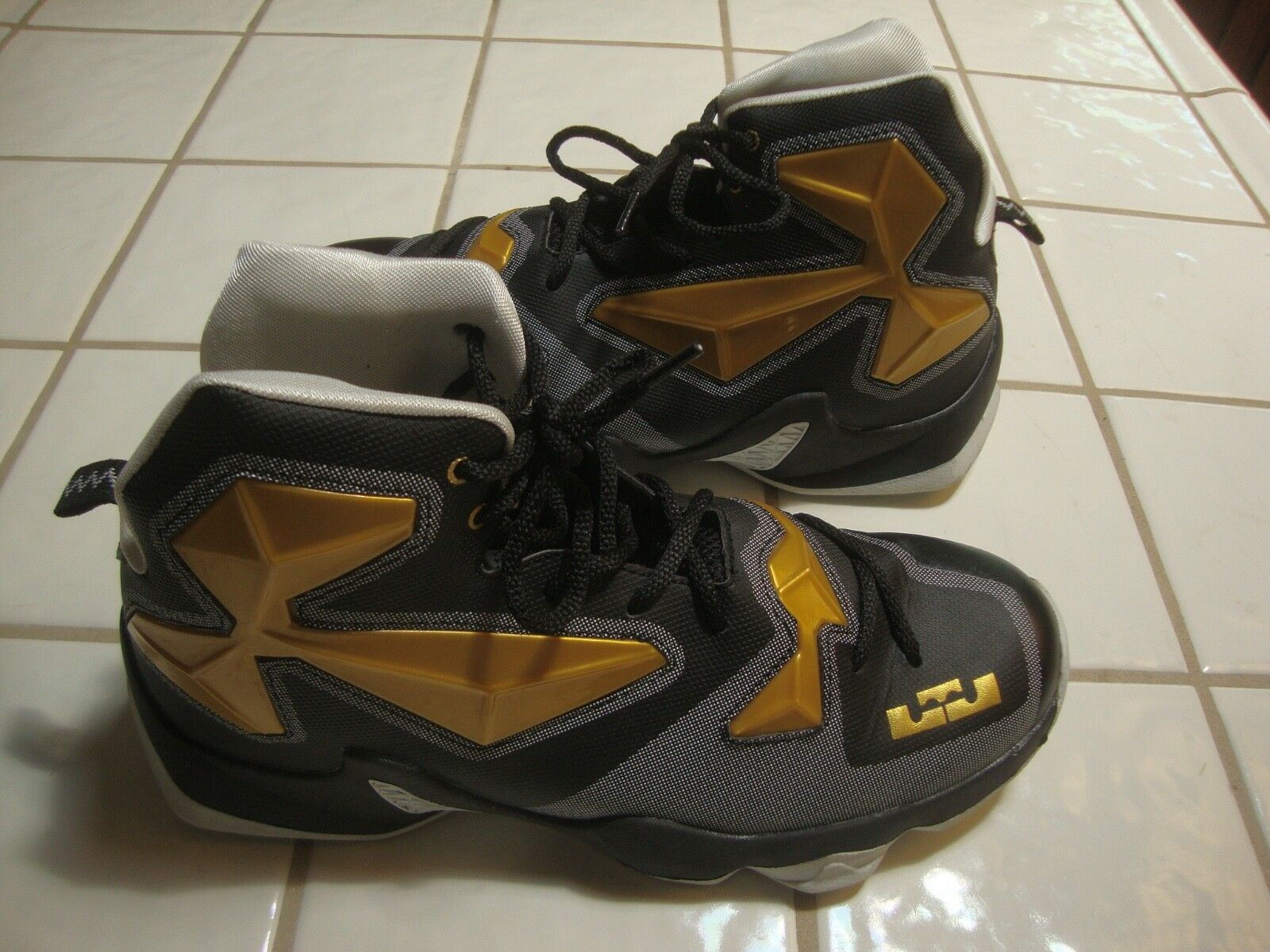 LEBRON JAMES XIII BLACK & GOLD SNEAKER BASKETBALL SHOES HIGH TOP MENS SIZE 9