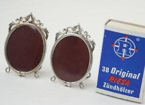 2 Kleine Mini-fotorahmen,versilb. Avec Présentoir + Acrylfolie Chaque 5x3 Cm.