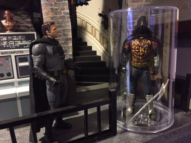 CUSTOM BATCAVE prop ROBIN MEMORIAL 1/12 scale display BATMAN V SUPERMAN doj