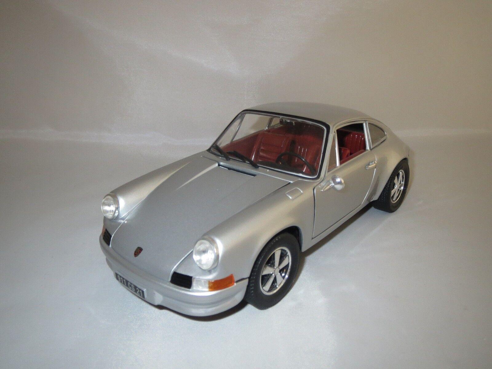Universal Hobbies Porsche 911 S 2,4 L (argent) 1 18  sans emballage  en bonne santé