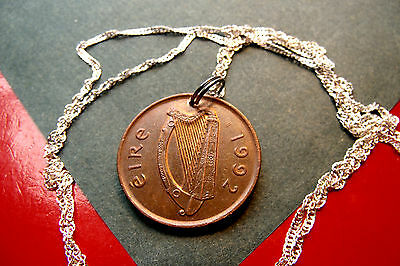1992 IRISH BRONZE PINGIN CELTIC GAELIC HARP Pendant on a .925 Silver Wavy Chain