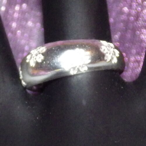 New 9k White Gold Filled White Cubic Zirconia Unisex Floral Pattern Ring