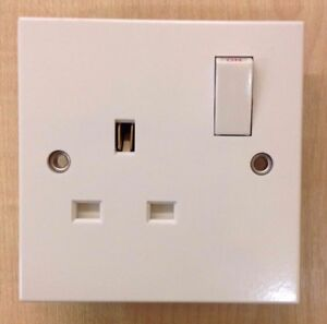 13A-250v-1-Gang-Double-Pole-Switched-Socket-White-Pack-of-10-BNIB-BD-P
