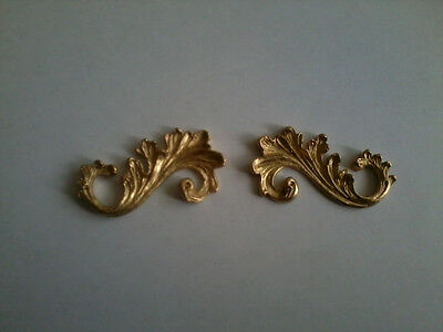 Decorative Resin Moulding - 2 Small Fancy Scrolls (Pair)  - Gold Painted Finish