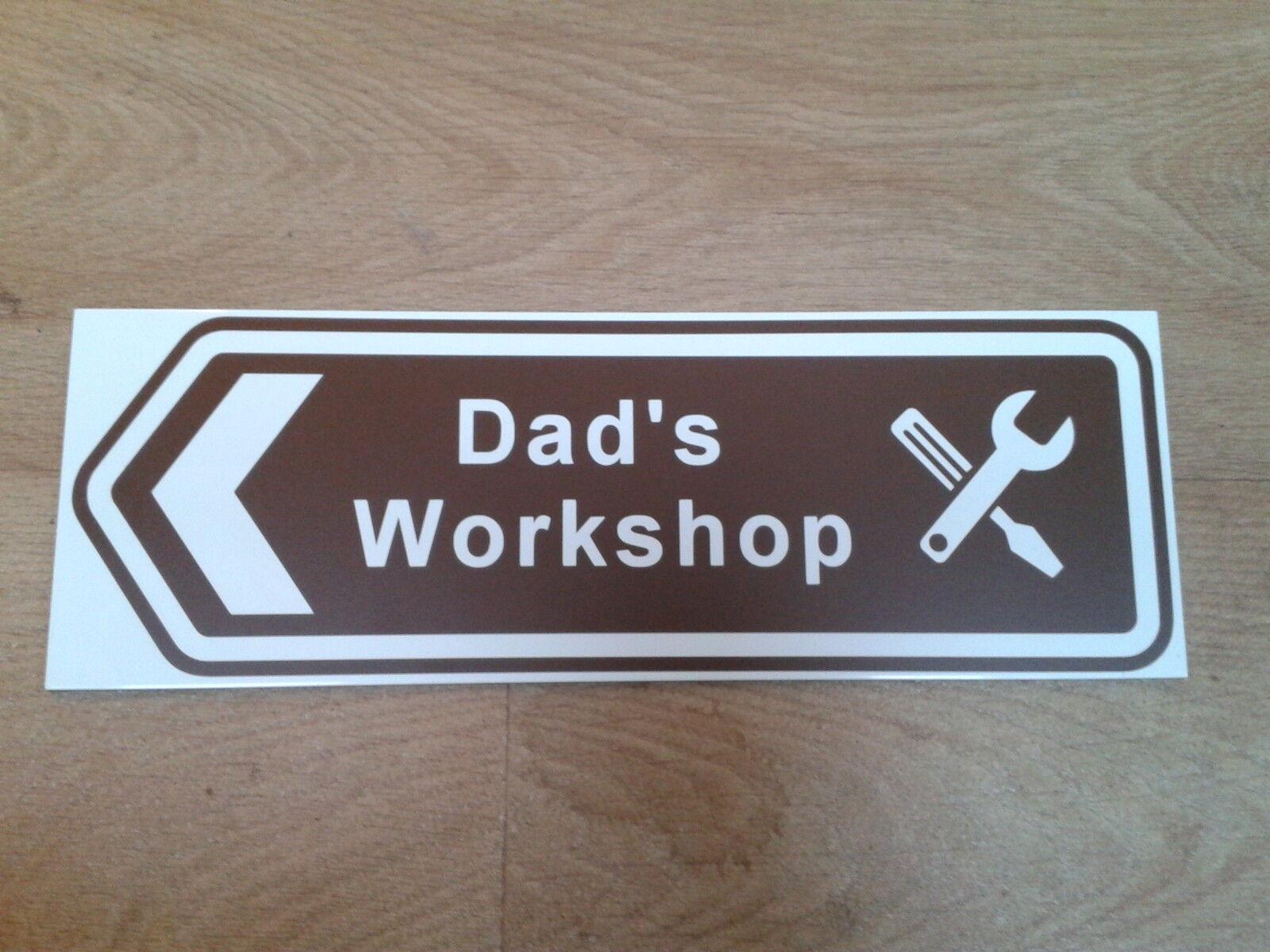 Ride on Railways -  Dad's Workshop  brown arrow sign