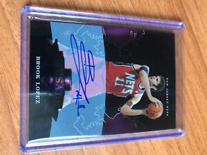 2010-11 Elite Black Box Crusade Signatures #11 Brook Lopez AUTO ON CARD -25 EBSjH1hC-09091808-636304445