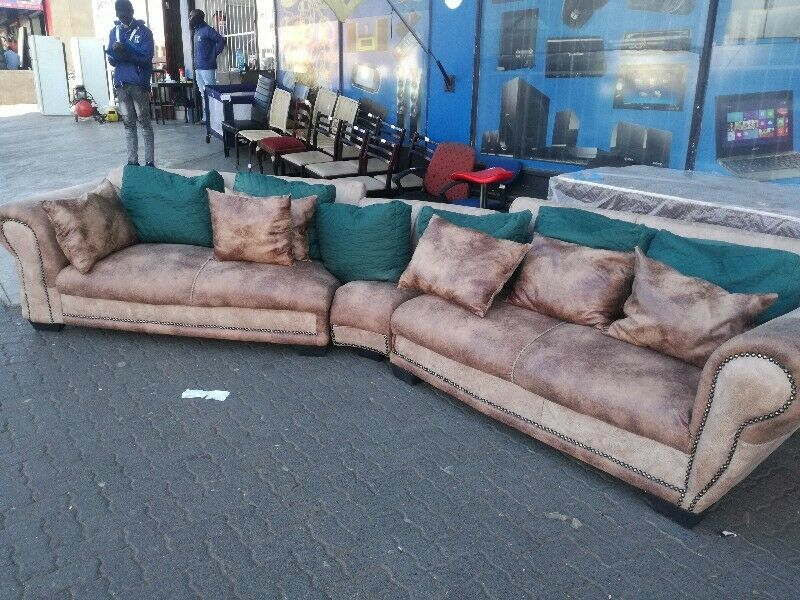 Corner couch set for sale