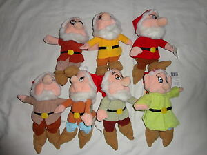 Disney Beanie Lot of 7 Seven Dwarfs Holiday with Santa Hats with Tags Christmas