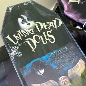 Mezco-LIVING-DEAD-DOLLS-Series-21-Tenebre-Figure