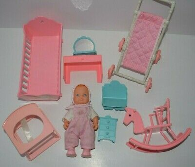 1988 LEWIS GALOOB BOUNCIN/' BABIES DOLL CRAWLIN/' BABY PINK /& WHITE CARRY BASKET