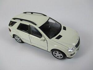 Mercedes-benz-ml-350-SUV-en-blanco-1-34-COCHE-MODELO-DIECAST-nuevo