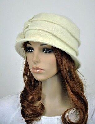 M33 Acrylic Wool Women's Warm Winter Hat Beanie Cap Cute 6-Leaf Flower White