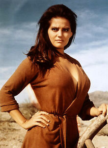PHOTO-CLAUDIA-CARDINALE-REF-CAR5476