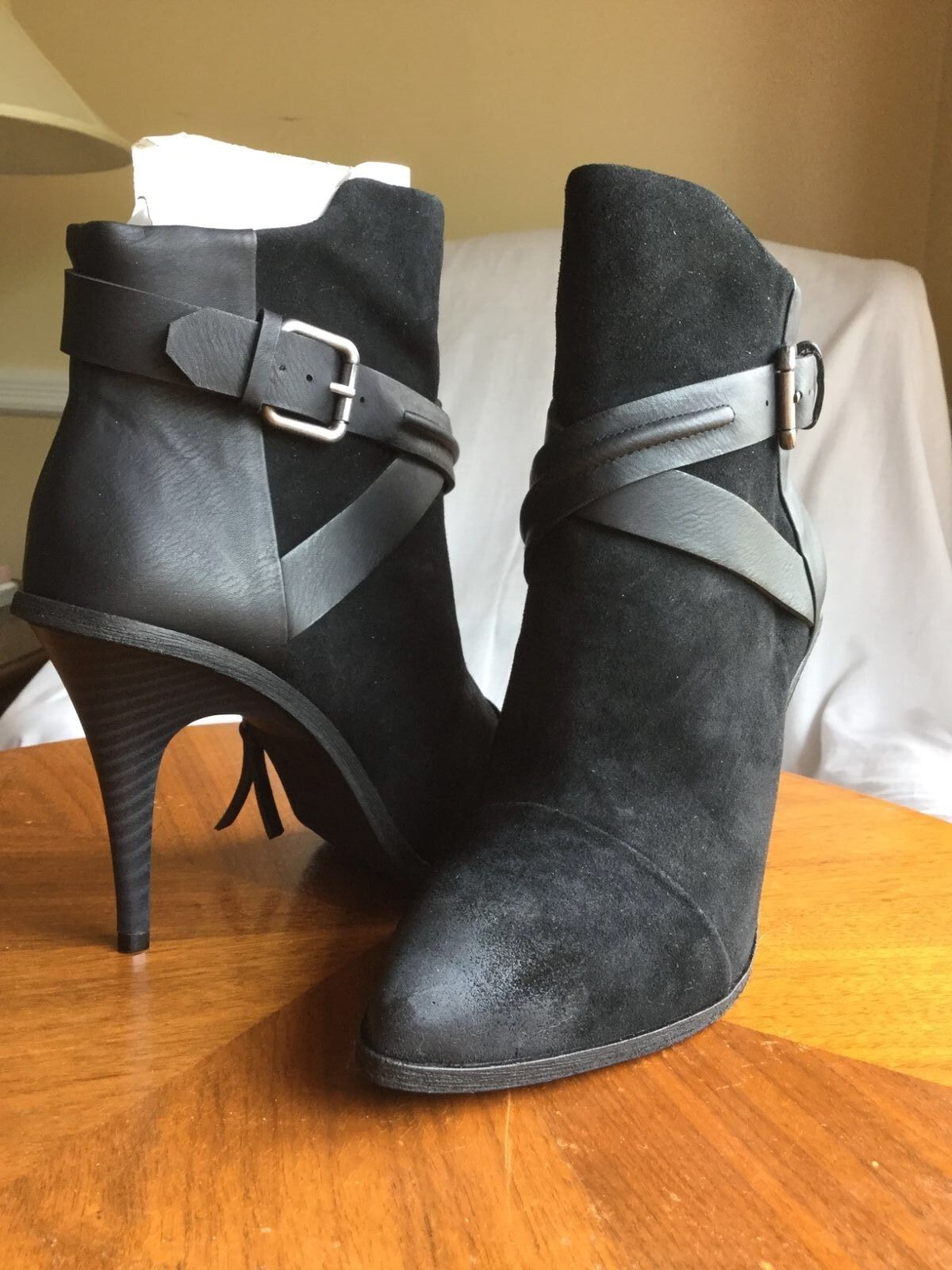 Joe's Jeans BURNISHED Toe STRAPPY BUCKLE Leather BIKER Bootie Black 7M